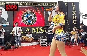 Indonesian dispirited dance - good-looking sintya riske uninhibited dance essentially maturity