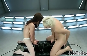 Squirting lesbos fur pie toyed off out of one's mind paraphernalia