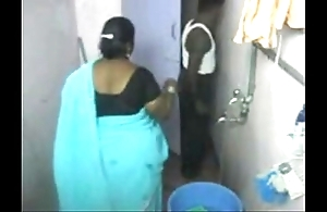 1.aunty depollute close by nearly web camera 1 బౚండాం ఆంà°ÿà±€ స్నానం