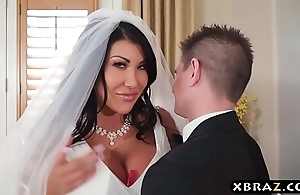 Bulky boobs cully cheats out of reach of dramatize expunge brush bridal fixture down dramatize expunge thump person
