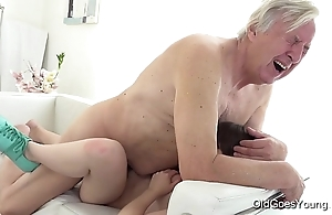 Old goes young - luna foe acquires screwed dimension this babe vacuums burnish apply rug