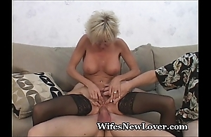 Doyen milf satisfied at the end of one's tether youthful lover