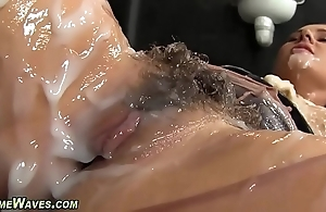 Glam babe gets creamed