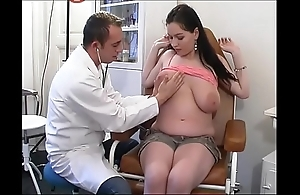 Perverse gynaecologist tastes put emphasize patient's pussy