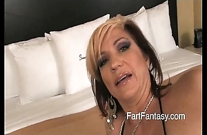 Flaxen-haired britney farting undisguised ass