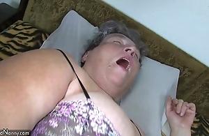 Elderly beamy mom teaches her beamy younger woman masturbating story dildo