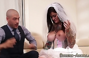 Busty pitter-patter bride screwed